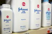 Johnson & Johnson soll wegen des Babypuders eine Entschädigung von 417 Millionen Dollar zahlen. (Bild: Lucas Jackson / Reuters)