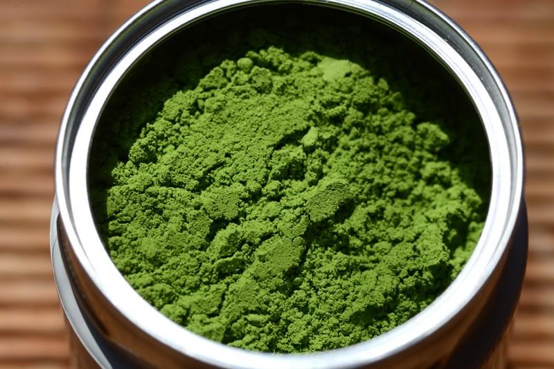Dieser Tee wirkt wahre Wunder: Dein Bauchfett verschwindet und deine Haut wird besser.