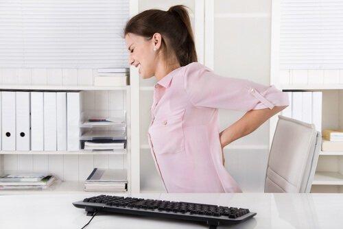Gelatine mit Honig und Kurkuma gegen Rückenschmerzen