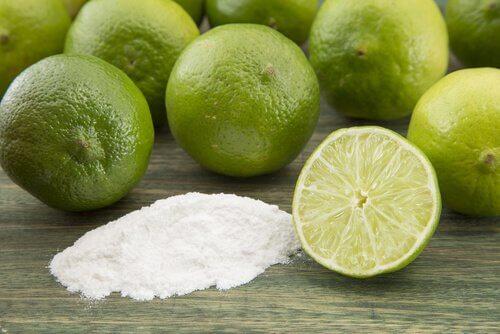 Gesichtsmasken mit Natron und Zitrone