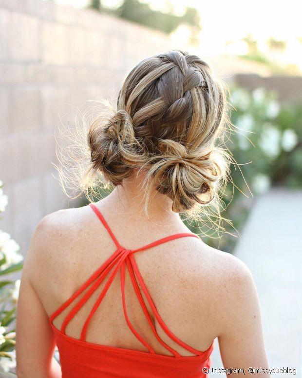 """O """"low space buns"""" oiu """"macaron buns"""", penteado com coque duplo baixo e bem rente à nuca, é uma das tendências de penteado da vez (Foto: Instagram @missysueblog)"""