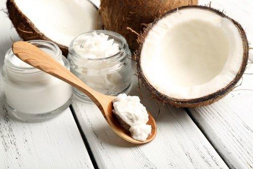 Kokosöl Rasiercreme gegen eingewachsene Haare