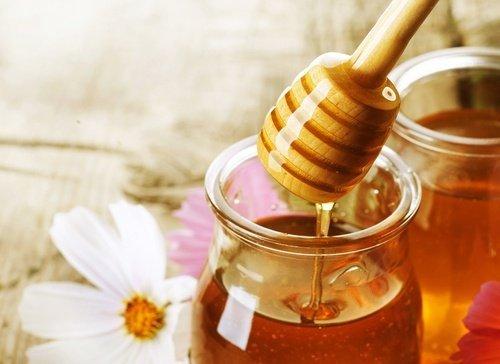Vorzüge des Honigs für Hustenbonbons