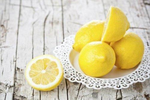 Zitrone für Hustenbonbons