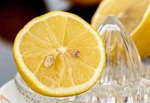Zitronensaft hilft beim Abnehmen