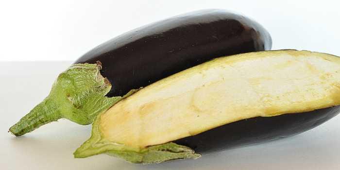 Aubergine als Brotaufstrich
