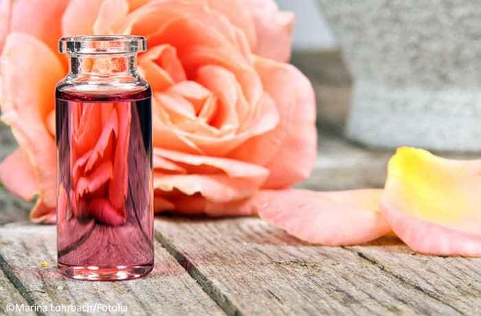 DIY Rosenwasser - das natürliche Allroundtalent für Ihre Hautpflege