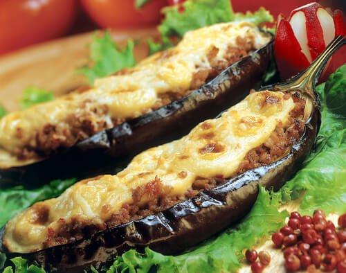Köstliches Rezept für mit Fleisch gefüllte Auberginen