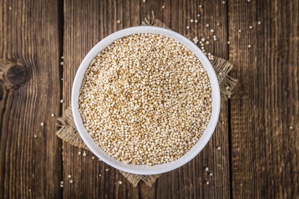 Leicht zubereitende Quinoa und Kichererbsenknödel