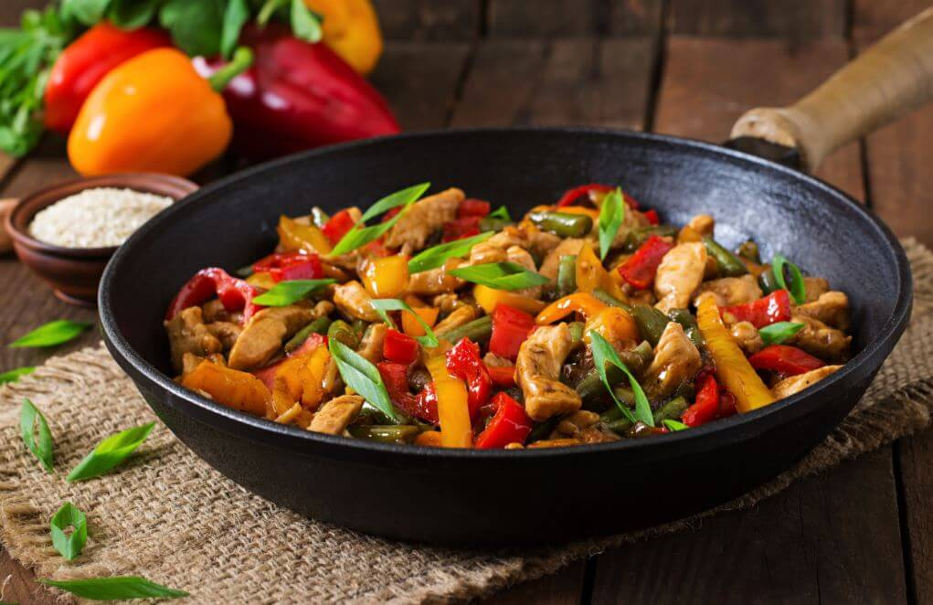 3 gesunde Möglichkeiten, Hühnchenbrust zu kochen