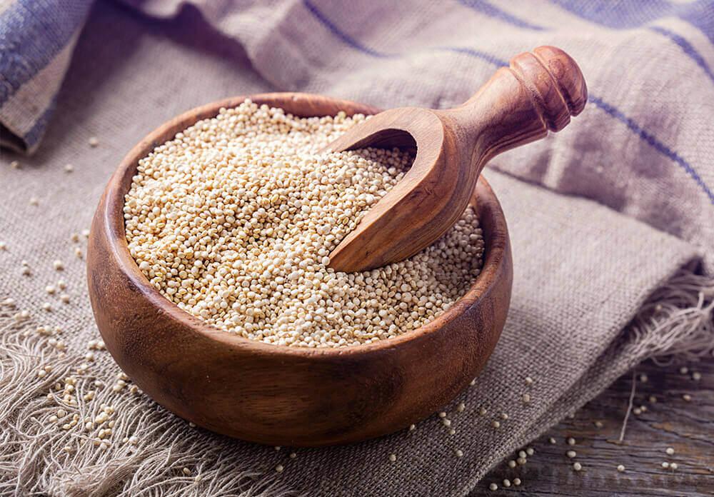 Lauchomelett, Quinoa und Haselnussgetränk