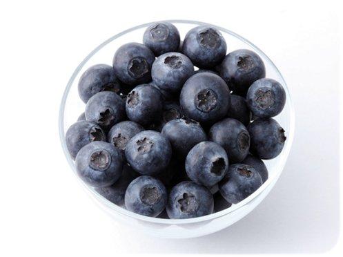 Natürlicher Entgifter mit Blaubeeren und Joghurt