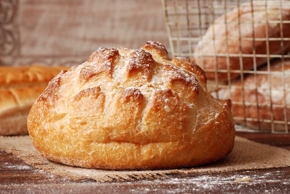 Wie macht man ein Brot ohne Kneten und ohne Gluten?