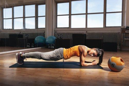 Trainiere, um Fett zu verbrennen und die Körperhaltung zu verbessern